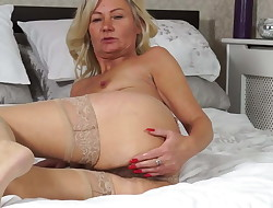 Mature marvelous mother with fur covered old cunt